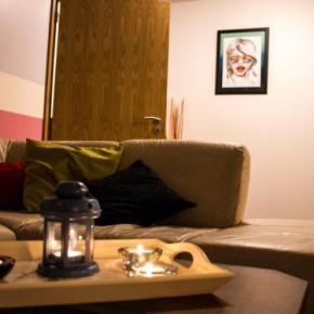 Hostales y Albergues - Home Red Door
