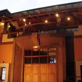 Hostales y Albergues - Piumara Residence