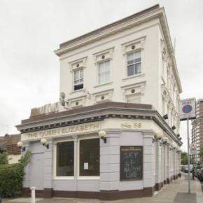 Hostales y Albergues - Hostal Queen Elizabeth Pub &  Chelsea