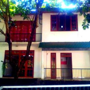 Hostales y Albergues - Hostal Kandy City Elephant
