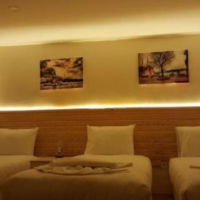 Hostales y Albergues - Otantik Guest House