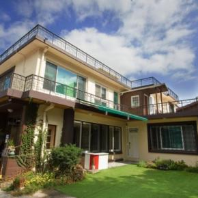 Hostales y Albergues - 24 Guesthouse Namsan Garden