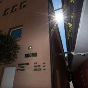 Hostales y Albergues - Hostal  Zagreb