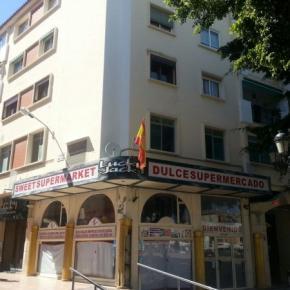 Hostales y Albergues - Hostal Torremolinos