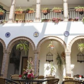 Hostales y Albergues - Hotel de los Faroles
