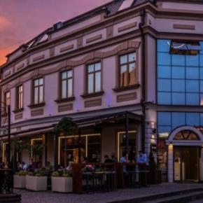 Hostales y Albergues - Eter Hotel