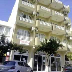 Hostales y Albergues - Nicea Hotel