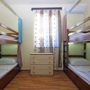 Hostales y Albergues - Hostal Aurora Hotel &