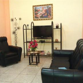 Hostales y Albergues - Hostal Cuba 215