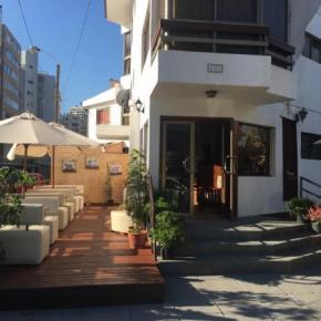 Hostales y Albergues - Hostal TRAVEL INTERNATIONAL  CAFE