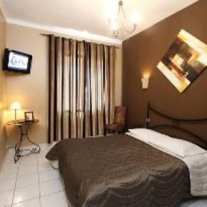 Hostales y Albergues - Adonis Sanary Grand Hotel des Bains