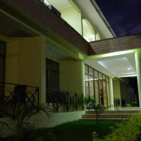 Hostales y Albergues - Mvuli Hotel