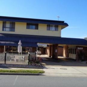 Hostales y Albergues - Parkway Motel