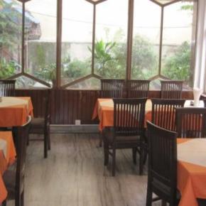 Hostales y Albergues - Tasi Dhargey Inn