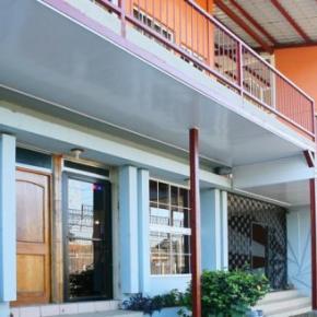 Hostales y Albergues - Hotel Valerie