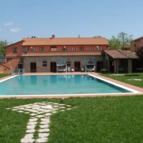 Hostales y Albergues - Villaggio Albergo al Poggio dei Papi