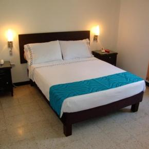 Hostales y Albergues - Granada Inn Hotel