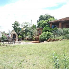 Hostales y Albergues - Le lac hotel Ivato gites et camping
