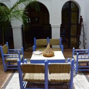 Hostales y Albergues - Hostal  Riad L'Orange Bleue