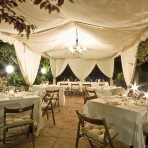 Hostales y Albergues - El Patio Hotel