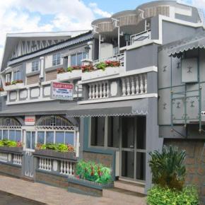 Hostales y Albergues - Island's House - Island's Inn