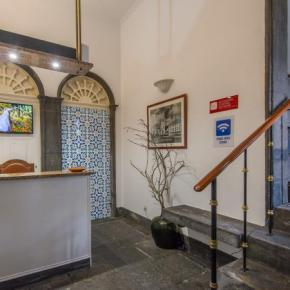 Hostales y Albergues - Comercial Azores Guest House