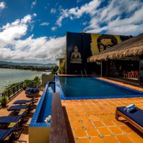Hostales y Albergues - Den Pasar Boracay 4BR Exclusive Villa