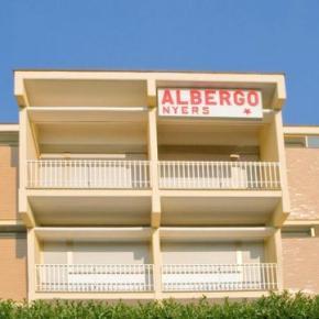 Hostales y Albergues - Albergo Nyers