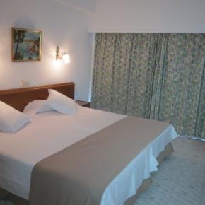 Hostales y Albergues - Hotel Amic Gala