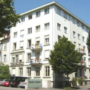 Hostales y Albergues - Hostal Hotel  Alpha