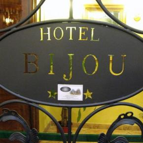 Hostales y Albergues - Hotel Bijou