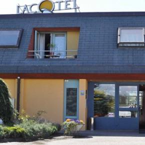 Hostales y Albergues - Hotel Lacotel
