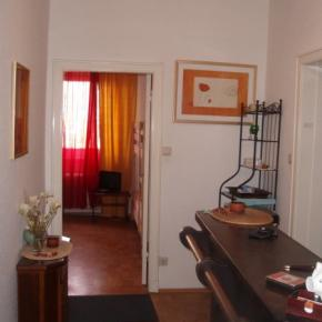 Hostales y Albergues - WIRA Guesthouse 25 a