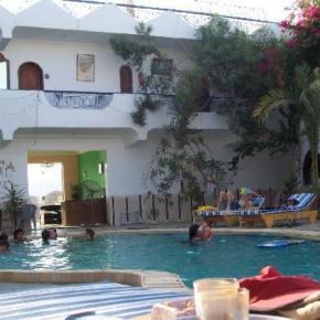 Hostales y Albergues - Dahab Plaza Hotel