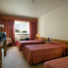 Hostales y Albergues - Hotel Cruz Alta