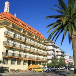 Hostales y Albergues - Hotel Regent