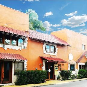 Hostales y Albergues - Hotel Playa del Karma