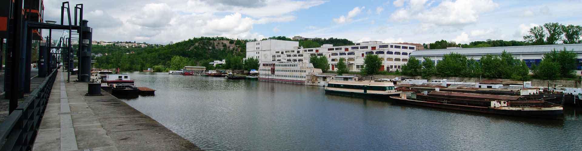 Praga - Hostales en el distrito Holesovice. Mapas de Praga, Fotos y comentarios de cada hostal en Praga.