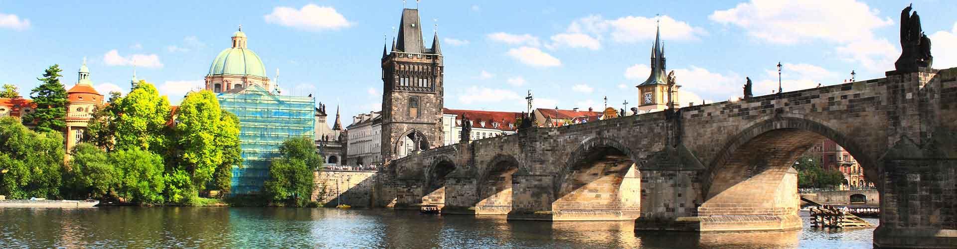 Praga - Campamentos cerca a Puente de Carlos. Mapas de Praga, Fotos y comentarios de cada Campamento en Praga.