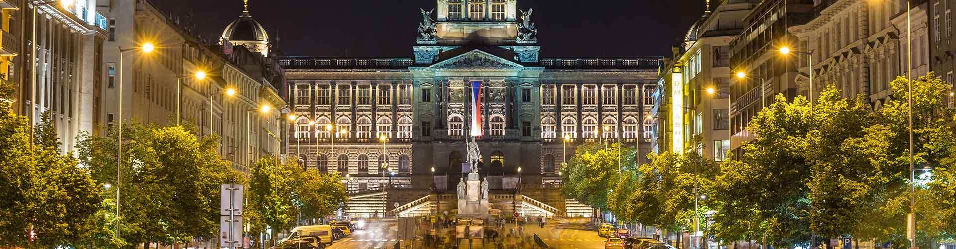 Praga - Hostales cerca a Museo Nacional y el Hotel Europa. Mapas de Praga, Fotos y comentarios de cada Hostal en Praga.