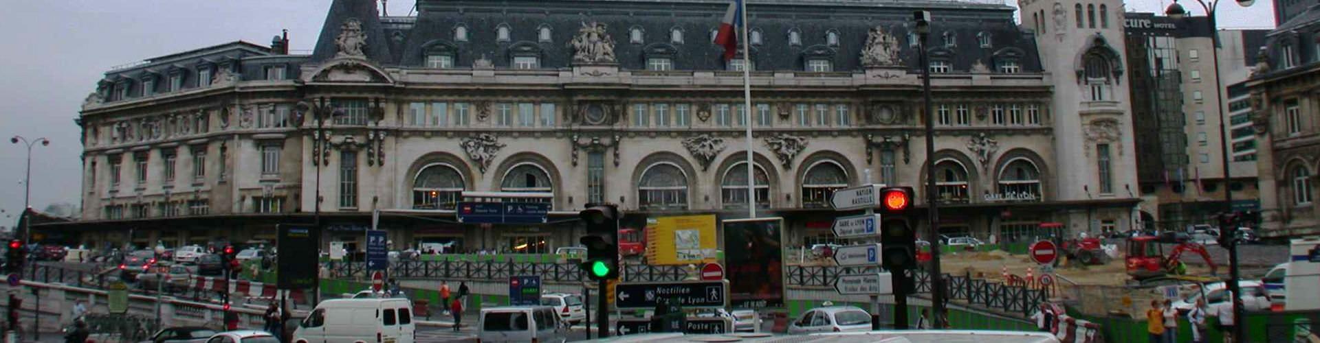 París - Hostales en el distrito Gare de Lyon. Mapas de París, Fotos y comentarios de cada Hostal en París.