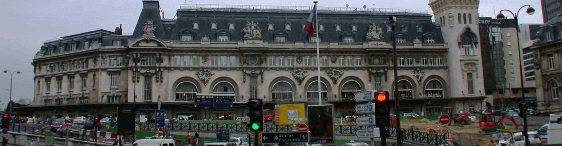 París - Hostales cerca a Estación de tren de Lyon. Mapas de París, Fotos y comentarios de cada Hostal en París.