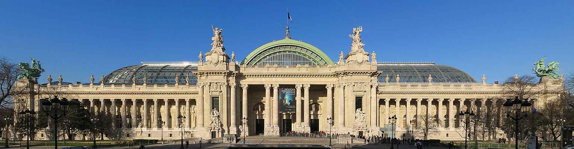 París - Campamentos cerca a Grand Palais. Mapas de París, Fotos y comentarios de cada Campamento en París.