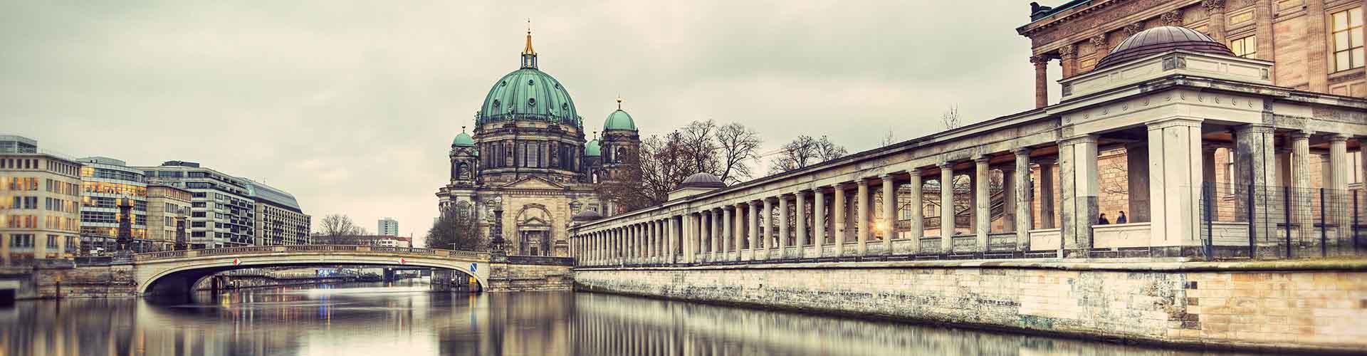 Berlín - Apartamentos cerca a Berliner Dom. Mapas de Berlín, Fotos y comentarios de cada Apartamento en Berlín.