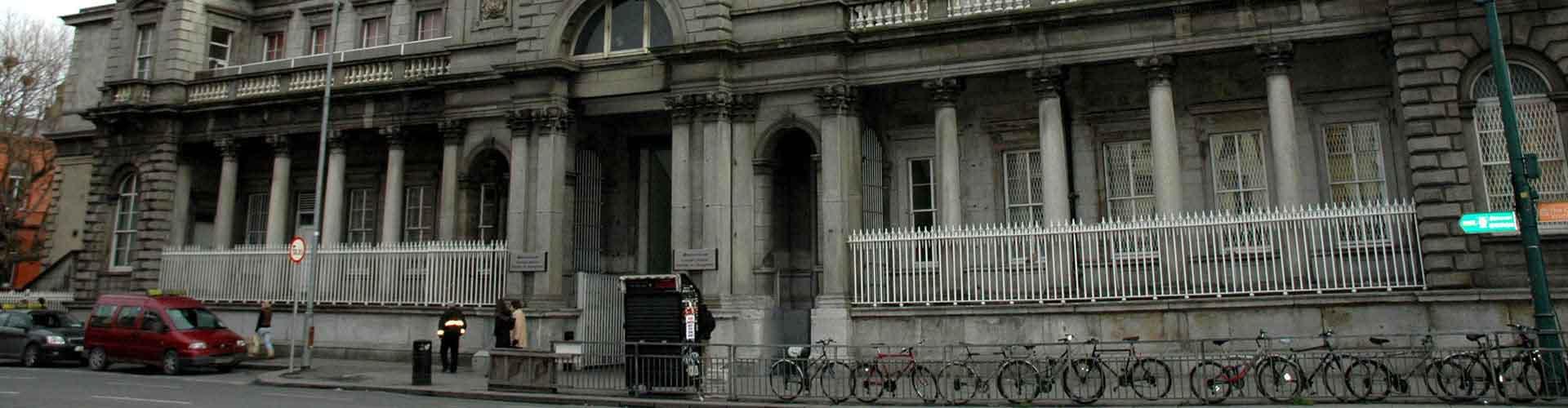 Dublín - Campamentos cerca a Estación de tren Connolly de Dublín. Mapas de Dublín, Fotos y comentarios de cada Campamento en Dublín.
