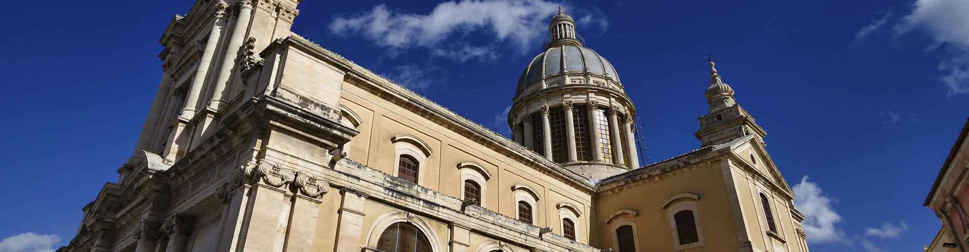 Florencia - Hostales en el distrito Santissima Annunziata. Mapas de Florencia, Fotos y comentarios de cada Hostal en Florencia.