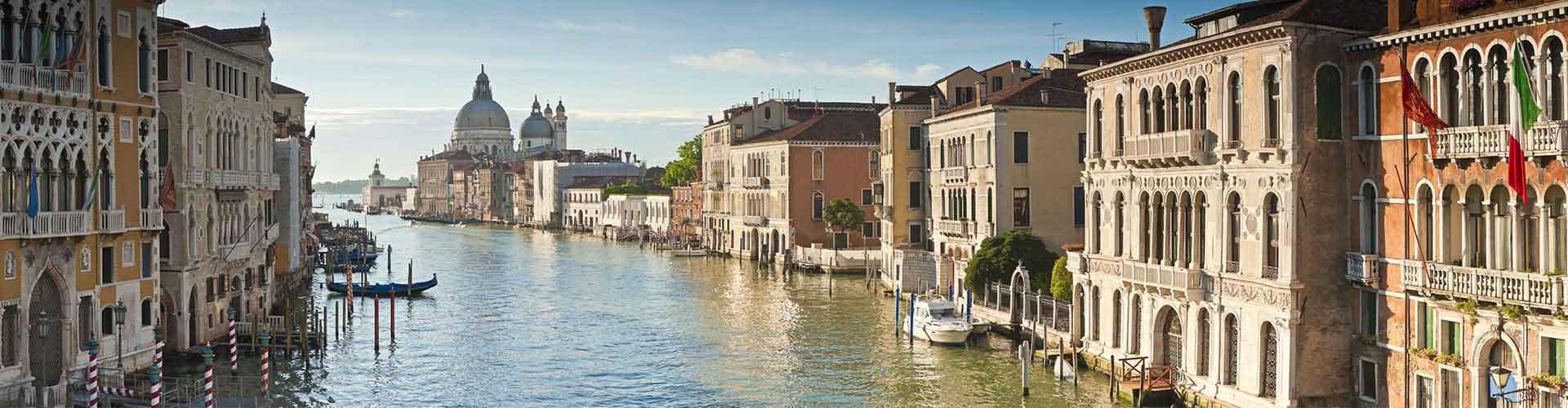 Venecia - Apartamentos en el distrito Dorsoduro, S. Polo, S. Cruz, de la Giudecca, Sack Fisola. Mapas de Venecia, Fotos y comentarios de cada Apartamento en Venecia.