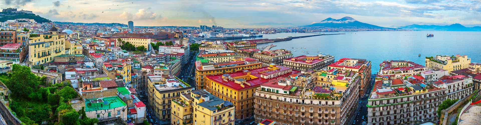 Nápoles - Habitaciones en el distrito Chiaia. Mapas de Nápoles, Fotos y comentarios de cada Habitación en Nápoles.