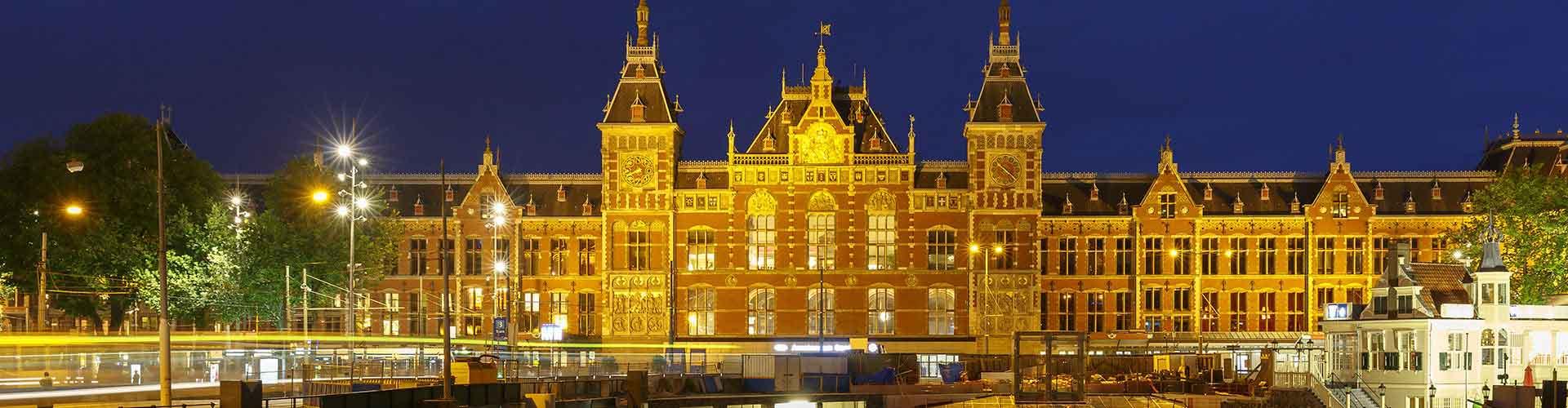 Amsterdam - Campamentos cerca a Estación de tren de Amsterdam Central . Mapas de Amsterdam, Fotos y comentarios de cada Campamento en Amsterdam.