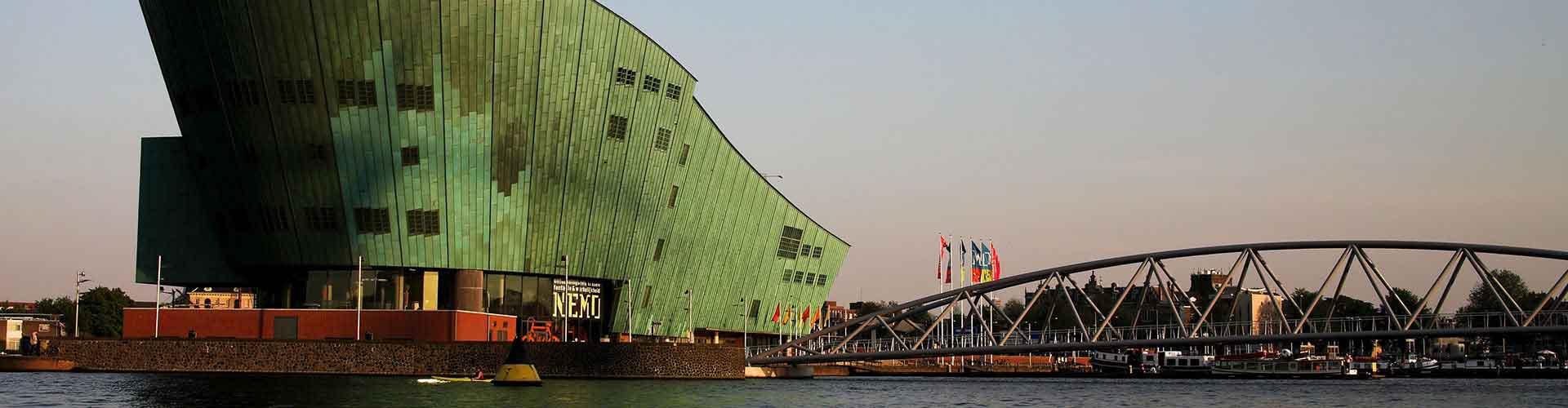 Amsterdam - Hostales cerca a NEMO. Mapas de Amsterdam, Fotos y comentarios de cada Hostal en Amsterdam.